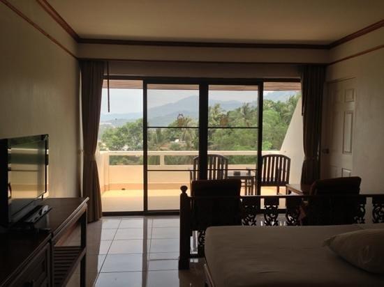 Orchidacea Resort: deluxe room w/ balcony