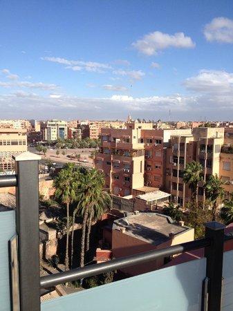 Hotel Almas: Vue de Marrakech sur le toit de l'Almas