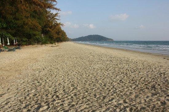 Mae Ram Phueng Beach