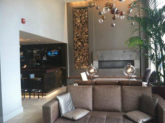Hotel Felix: Hotel Lobby Bar