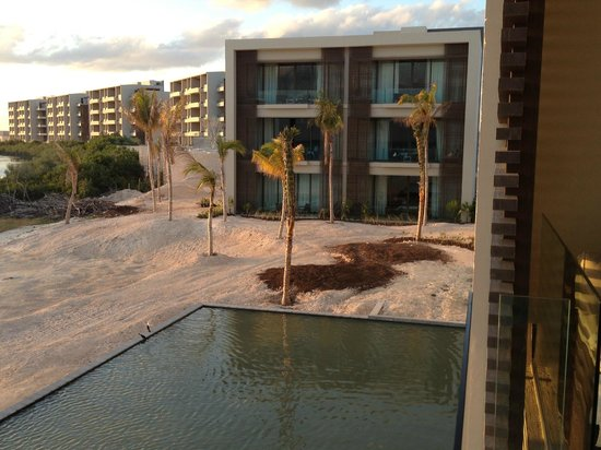 NIZUC Resort and Spa : view of towers from room balcony