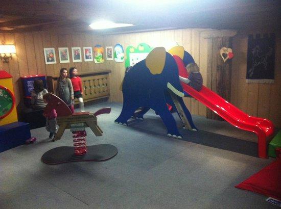 Armentarola Hotel: Sala giochi per piccini