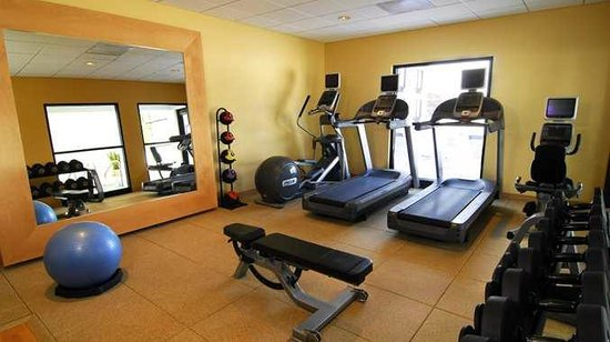 DoubleTree by Hilton Hotel Milwaukee - Brookfield: Fitness Center