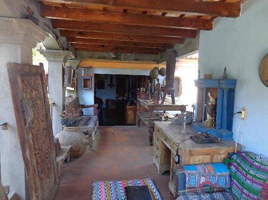 Posada San Sebastian: The living room outside our room