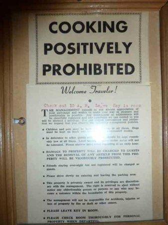 Hatchet Resort: Welcome sign!