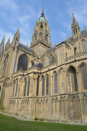 Hotel Reine Mathilde: Bayeux Cathedral