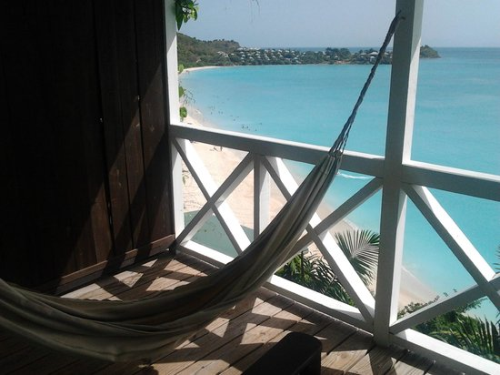 COCOS Hotel Antigua: Con un'amaca così ed un paesaggio del genere, cosa volete di più!