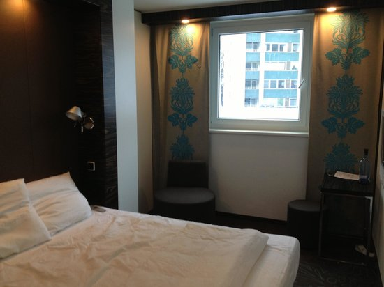 Motel One Berlin-Tiergarten: Room 107