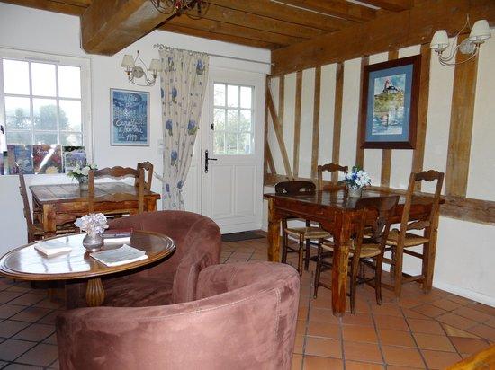 Le Manoir du Petit Saint Pierre : Salle petit déjeuner