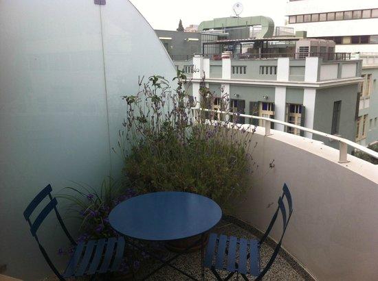 Townhouse Tel Aviv: Balcone camera standard