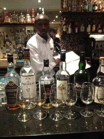 Devon Valley Hotel: whisky tasting!