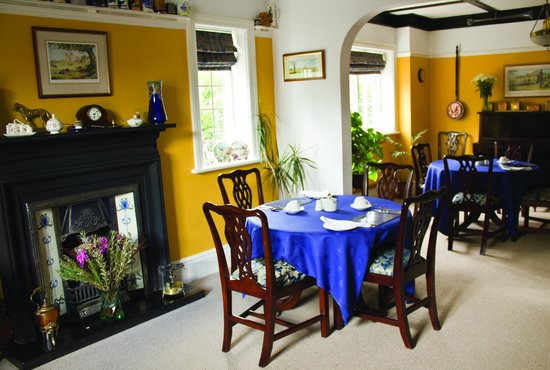 No 21: Dining Room