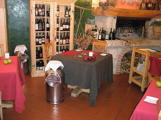 Tre fonti asiago restaurant reviews phone number for Family hotel asiago