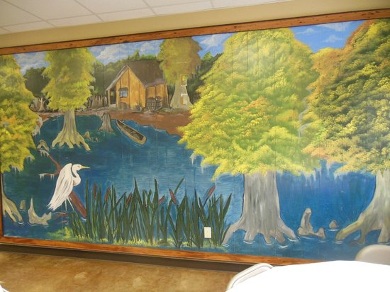 Carbo's Seafood Restaurant: Wall mural inside.