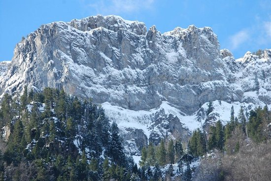 Torla, Espagne : Ordesa con nieve