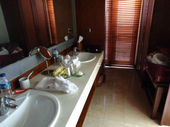Villa Mahapala: double sinks - plenty of space