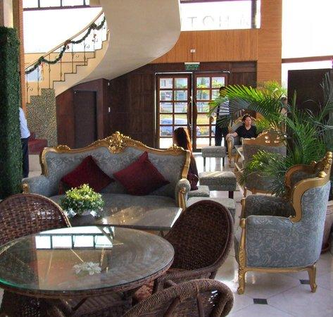 RK Hotel Subic: ロビー