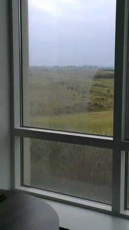 Portmarnock Hotel and Golf Links: Difference once window was wiped