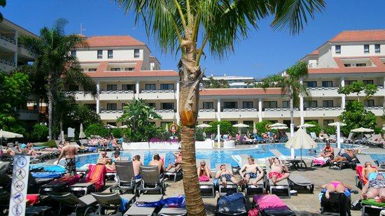 Aparthotel Parque de la Paz: the pool area