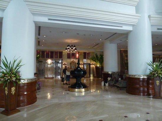 Mandalay Hill Resort: Entree superbe