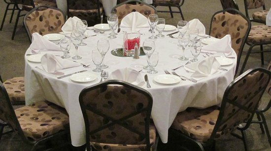 Sawridge Inn and Conference Centre Edmonton South: Banquet Room Set Up