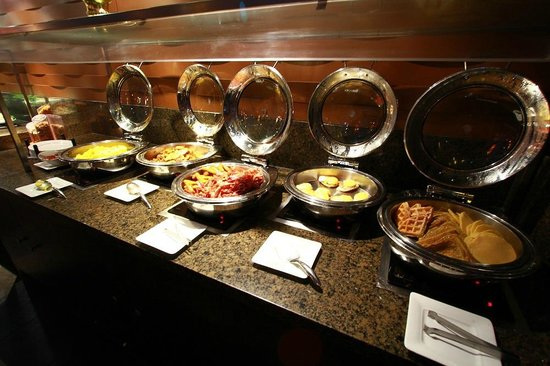 Sawridge Inn and Conference Centre Edmonton South: Creations Breakfast Buffet