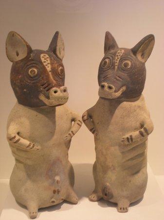 Museo de Minerales Andres del Castillo: restos arqueologicos