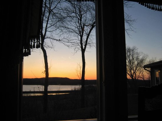 Goldmoor Dining: Sunset from our window