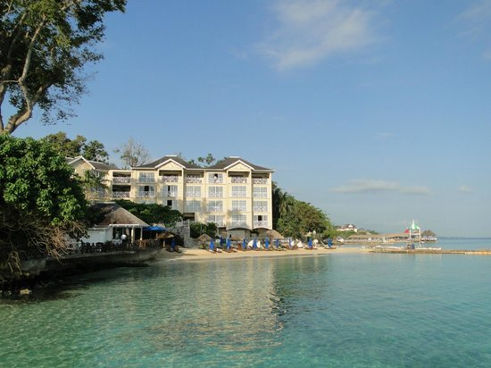 Sandals Royal Plantation: Blick zum Weststrand
