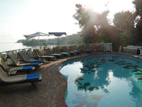 Sandals Royal Plantation: Der Pool ist sehr klein, aber elegant