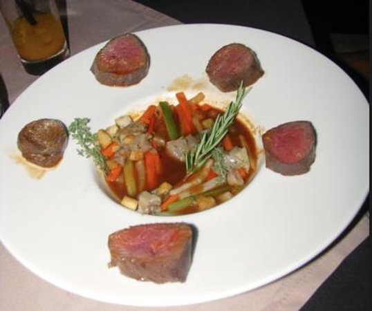 InterContinental Tahiti Resort & Spa: Beef tenderloin entree at Le Lotus