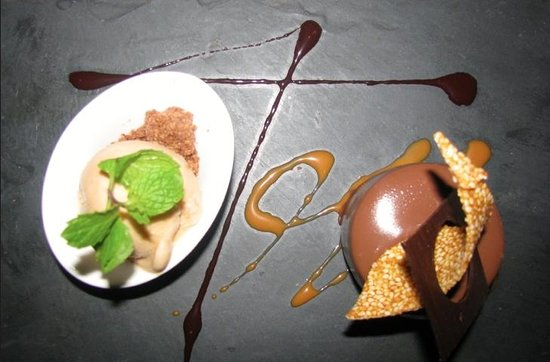 InterContinental Tahiti Resort & Spa: Chocolate mousse and sea salt caramel ice cream at Le Lotus!