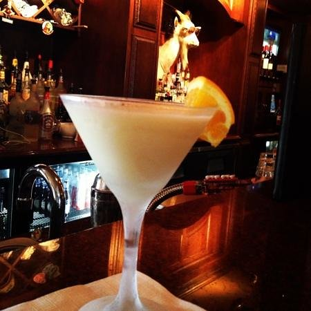 Thirsty Goat Lounge: martini