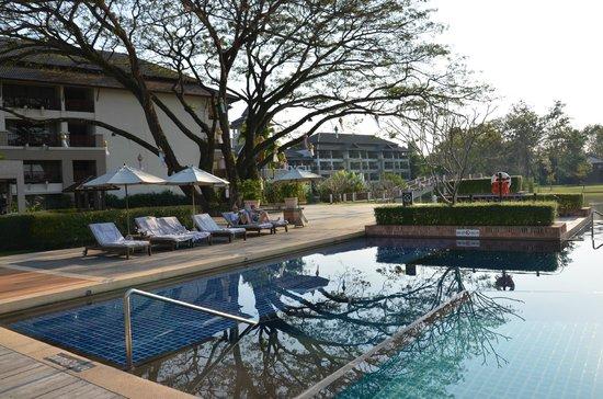 Le Meridien Chiang Rai Resort : Piscine