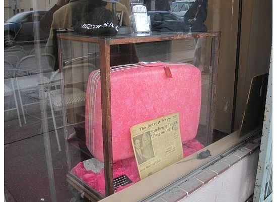 Dearly Departed Tours: Jayne Mansfield's pink suitcaes