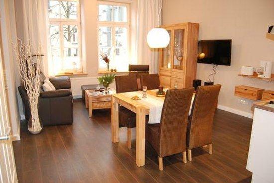 Ferienwohnungen an der Kaiserpfalz: Wohnbereich der Ferienwohnung 2