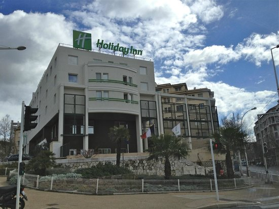 Holiday Inn Toulon City Centre : Front of the hotel