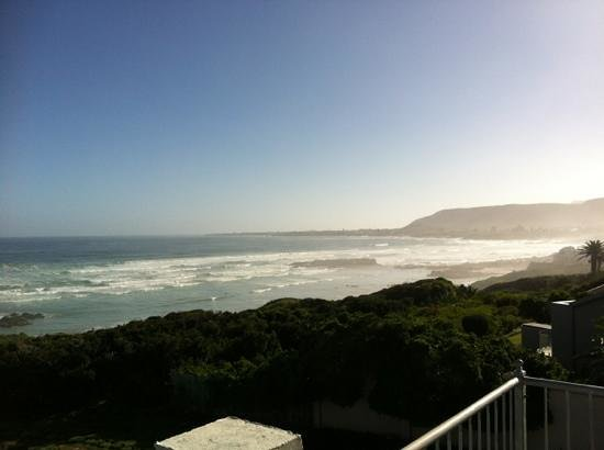Hermanus Beach Villa: view from our balcony