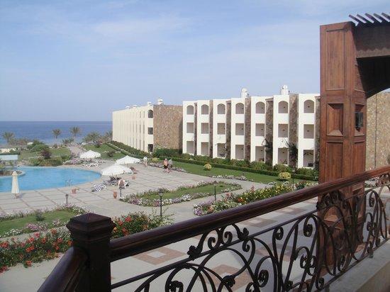 Royal Brayka Beach Resort: view from bar above returant