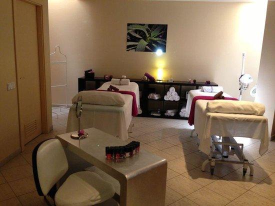 Spa 711: massaggio di coppia mmmmmmhh
