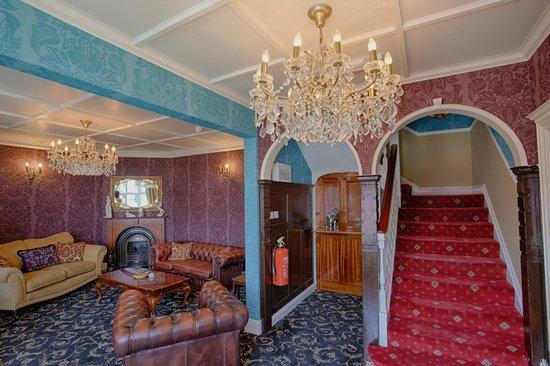 Gable End Hotel: Entrance