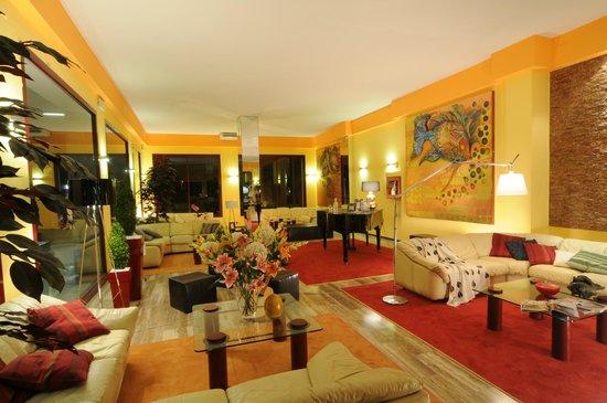 Hotel Corona: hall