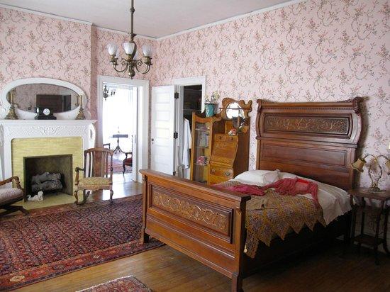 Rockcliffe Mansion: Helen's Chamber - 2nd FL