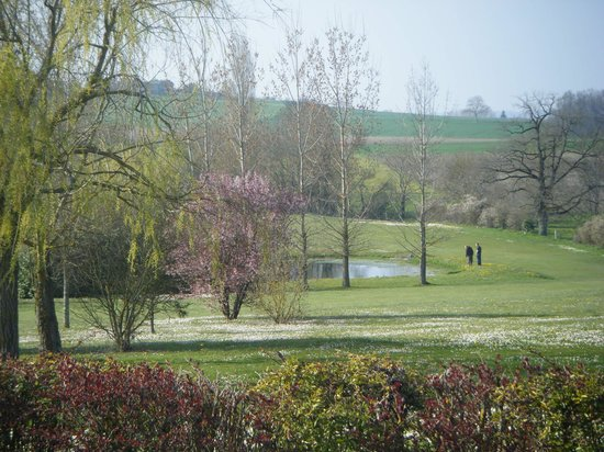 Manoir de Longeveau: the view of the golf course from the gite