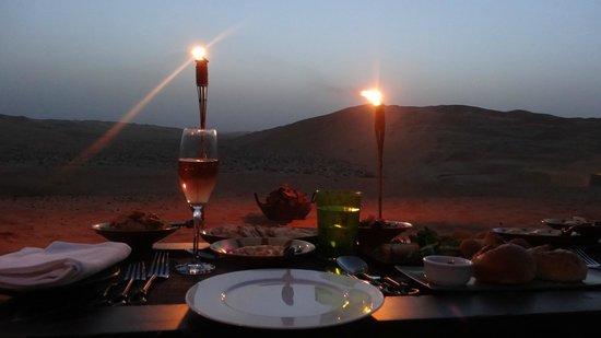Qasr Al Sarab Desert Resort by Anantara: diner by design dans le desert