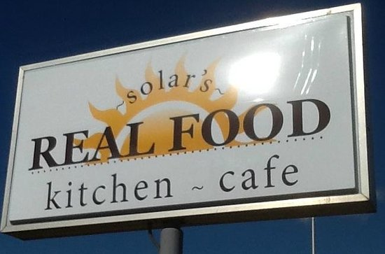 ‪‪Springfield‬, ‪Minnesota‬: Solar Drive-In Updates Sign to Solar's Real Food Kitchen - Cafe‬