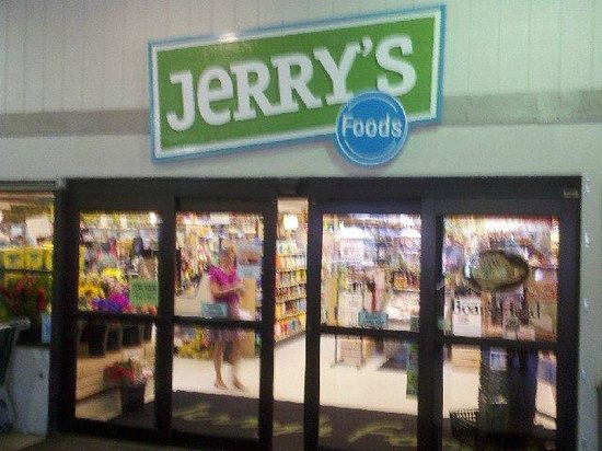 Jerry's Foods : Entrance to Jerry's