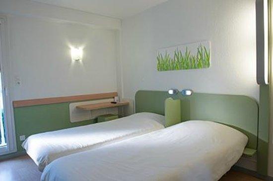 CHAMBRE TWIN - Picture of Hotel ibis budget Macon sud, Macon ...