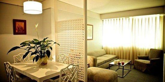 Sercotel Apartamentos Eurobuilding 2: Salon dos estancias