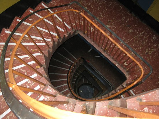 Princes St East Backpackers: Escaleras...